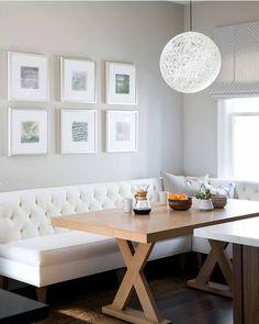 Acik renkler her zaman toz pembe ve pudra renklerinden ibaret degil. Miss gibi ferah bir ortam, bence bu iste #dekorasyon #dekorasyononerisi #dekorasyonfikirleri #dekorasyontrendleri #ev #evdekor #evdekorasyonu #icmimar #mobilya #alisveris #mutfak #masa #mutfakdekoru #aydinlatma #duvar #gallerywall #decor #decorinspiration #homedecor #interiordesign #kitchen