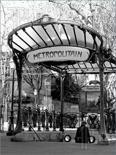 Ancient-Parisian-Subway-Station-Entrance-580071.jpg (337×450)