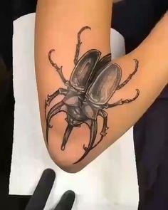Beautiful Tattoo tatuagem tatuagem cascavel tatuagem de rosa tatuagem delicada tatuagem e piercing manaus tatuagem feminina tatuagem moto clube tatuagem no joelho tatuagem old school tatuagem piercing tattoo shop Tattoo Pink, Bug Tattoo, Tattoo Arm, Rope Tattoo, Voodoo Tattoo, Squid Tattoo, Back Of Arm Tattoo, Tattoo Moon, Geometric Tattoos