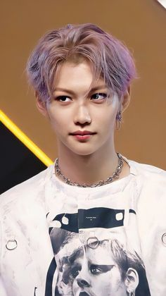 Felix Stray Kids, Photo Polaroid, Hommes Sexy, Kpop Guys, Kids Wallpaper, Lee Know, Kaito, Lee Min Ho, Purple Hair