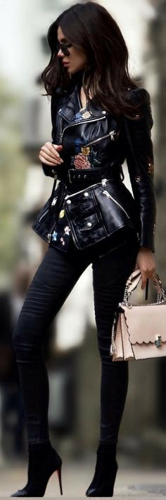 How To Style 3 Of The Best Winter Outfit Ideas The Right Way https://ecstasymodels.blog/2017/11/12/style-3-best-winter-outfit-ideas/