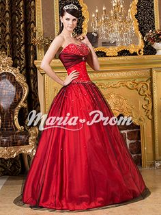 Quinceanera dress- These professional tips from social occasions party planners will help you get the right Quinceanera dress quickly! Puffy Prom Dresses, Grad Dresses, Ball Gown Dresses, Dress Outfits, Fashion Dresses, Dress Up, Formal Dresses, Formal Prom, Pretty Dresses