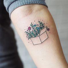 "23.3 mil curtidas, 55 comentários - tiny tattoos (@tiny.tatts) no Instagram: "" Floral box ⚊⚊⚊⚊⚊⚊⚊⚊⚊⚊⚊⚊⚋ ☛owner: @mimilina_tattoo Follow↪ @mimilina_tattoo Also Follow ↪…"""