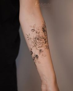 Chris Garver, Girl Neck Tattoos, Forearm Tattoos, Body Art Tattoos, Inner Arm Tattoos, Floral Arm Tattoo, Flower Tattoo Arm, Flower Tattoo Women, Dragon Tattoo Back Piece