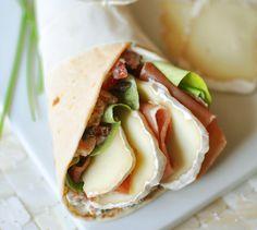 Wraps de brebis au jambon de pays - Envie de bien manger. Testez nos recettes régionales sur www.enviedebienmanger.fr