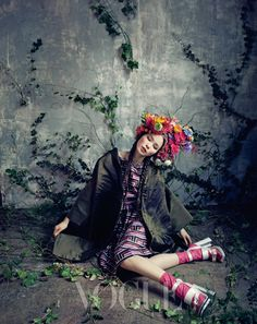봄을 기다리는 아가씨들 :: VOGUE.com  Korean Vogue.  Room with a garden.