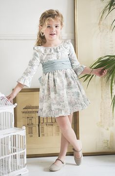 www.teresaleticia.com. Ropa de niños.Primera Comunion Little Girl Dresses, Girls Dresses, Flower Girl Dresses, Baby Girl Fashion, Kids Fashion, Frock Models, Girls Fall Outfits, Baby Dress Patterns, Frocks For Girls