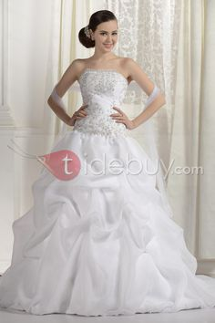 This dress is SO pretty I can hardly even stand it!!! It's so perfect... Only $180 on tidebuy.com!