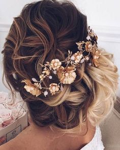 Homecoming is right around the corner✨ Tag a beauty who would rock this updo