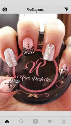 Nail Polish Art, Glitter Nail Polish, Nail Polish Designs, Nail Art Designs, Cute Nail Art, Easy Nail Art, Beautiful Nail Art, Glow Nails, Us Nails