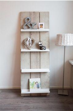 frei stehendes Regal mit Vintage Rückwand aus Holz selber machen