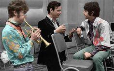 Pinterest | hardtosayno. . . John Lennon, Brian Epstein and Paul McCartney.