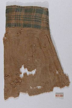 Fragment of a Sleeve. Egypt, 4th-5th century. Linen plain weave. From the Met: 90.5.169