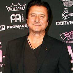 Ex-Journey Singer Steve Perry Sings Publicly for First Time in Decades....How cool is that?  This guy defined a roll-down-the-windows, turn up the cassette player, fly thru town night!
