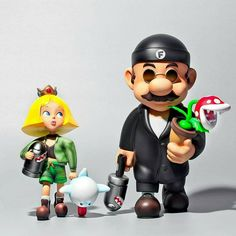 Super Professional by Fools Paradise is a fun mashup of Mario and Princess Peach, and Leon and Mathilda from the cult classic film Leon: The Professional! Mario Et Peach, Mario And Princess Peach, Mario Nintendo, Mario Bros., Jean Reno, Toy Art, Vinyl Toys, Vinyl Art, Vincent Van Gogh