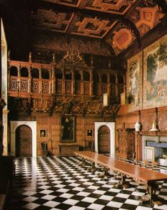 MARBLE HALL AT HATFIELD HOUSE - ELIZABETH I's CHILDHOOD HOME.