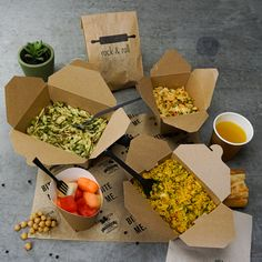 These brown kraft packages have natural, elegant look. Your customers will love them! Fast Casual Restaurant, Casual Restaurants, Kraft Packaging, Food Packaging, Bistro Box, Breakfast Basket, Eco Products, Rice Bowls, Food Styling