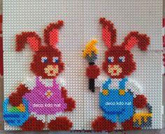 Easter bunnies hama perler beads by Deco. Perler Bead Designs, Hama Beads Design, Fuse Bead Patterns, Perler Patterns, Beading Patterns, Fuse Beads, Pearler Beads, Motifs Perler, Beading For Kids