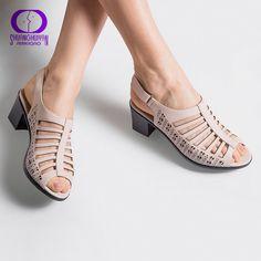 AIMEIGAO 2018 hebilla Correa mujeres gladiador sandalias Peep Toe verano Zapatos  tacones gruesos mujeres sandalias cuero 14b040a109