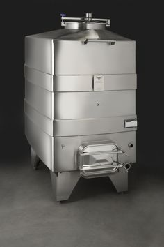 La Garde Closed Top Wine Fermentation Tank  (1200 gal) - 40% more volume than a cylinder with same width.
