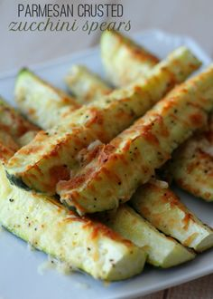 Delicious and healthy Parmesan Zucchini Spears recipe on { lilluna.com } #zucchini