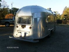 Tin Can Tourists is an all make and model vintage trailer and motor coach club. Vintage Rv, Vintage Caravans, Vintage Travel Trailers, Airstream Living, Airstream Trailers, Tent Camping, Glamping, Airstream Flying Cloud, Tin Can Tourist