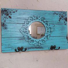 Barn Wood, Rustic Wood, Rustic Decor, Paint Furniture, Furniture Makeover, Diy Home Crafts, Diy Home Decor, Diy Para A Casa, Pallet Art