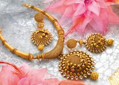 Necklaces – Page 12 – Modern Jewelry Trendy Jewelry, Jewelry Sets, Fashion Jewelry, Jewelry Stand, Hereford, Gold Jewellery Design, Gold Jewelry, Gold Necklace, Indian Necklace
