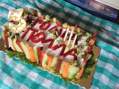 Αλμυρή τούρτα γενεθλίων Sushi, Ethnic Recipes, Food, Meal, Eten, Meals, Sushi Rolls