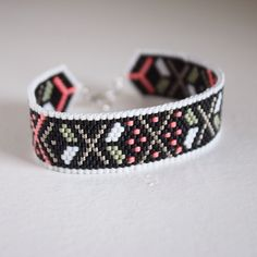 Bogolan pattern vs1.2 Black - silver 925 findings Merci à Maïté pour sa commande :) #jewels #bracelet #bracelets #jewelrygram #jewelrydesign #jewelryaddict #bijoux #creative #creation #creativity #createur #createurs #design #perle #miyuki #miyukibeads #mamabellah #handmade #madewithlove #miyukiaddict #perlesandco #jenfiledesperlesetjassume #shopping #mode #fashion #gift #color #black #peyote #peyotestitch