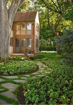30 Landscape Design Ideas Shaping Up Your Summer Dream Home - http://freshome.com/2012/06/20/30-landscape-design-ideas-shaping-up-your-summer-dream-home/