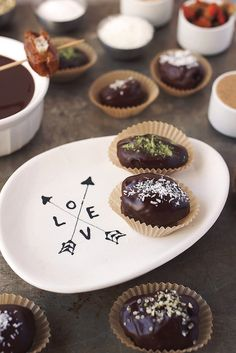 Chocolate Covered Stuffed Dates with TONS of flavor combos // @tastyyummies // www.tasty-yummies.com