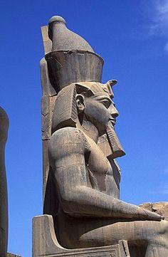 Nefertari statue, Luxor temple, Egypt, North Africa, Africa