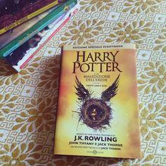 """Giorno 3 della #LitBloggerUnitedOctoberChallenge - libro più atteso Tra i libri più attesi di questo periodo c'è anzi c'era dato che l'abbiamo preso proprio ieri """"Harry Potter e la maledizione dell'erede"""" considerata l'ottava storia della saga di J.K. Rowling. Lo avete già letto? Cosa ne pensate?  #harrypotter #jkrowling #harrypotterelamaledizionedellerede #potterhead #libri #leggere #lettura #amoleggere #fantasy #libriovunque #romanzo #libro #book #books #bookstagram #instalibro #instabook…"""