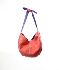 £95  Kids have stuff too! So we designed a  mini-me version of the Dani Hobo to carry their beach and play essentials. It's also cool for adults though. I am wearing my Nico Hobo as an effortless small handbag in the summer.  #KOZA #GoodsofLeisure #HoboBag
