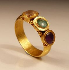 ROMAN GOLD 3 STONE RING 2ND AD