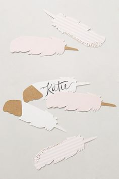 Wouldn't these floating feather escort cards be cute for a wedding or bridal shower?