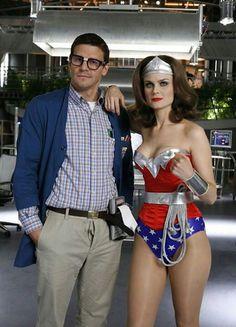 David Boreanaz and Emily Deschanel in Bones