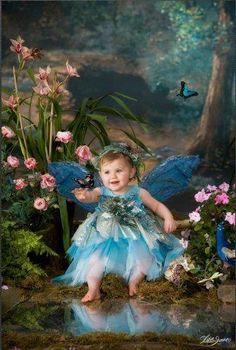 Fairy Beautiful Little Girls, Beautiful Fairies, Beautiful Paintings, Beautiful Images, Fairy Photoshoot, Fairy Photography, Fairies Photos, Angel Pictures, Baby Fairy