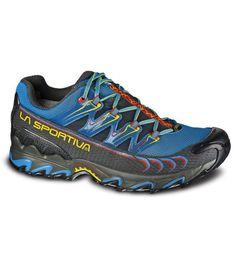Zapatillas Trail Running de la marca La Sportiva modelo Ultra Raptor con membrana GoreTex.  http://www.shedmarks.es/zapatillas-trail-running-hombre/2338-zapatillas-la-sportiva-ultra-raptor-gtx.html