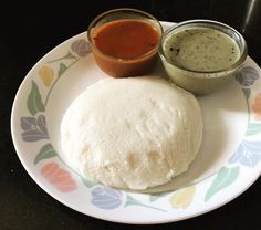 Tathe Idly - Another something to try on the streets of #Bangalore. Tathe means disc in Kannada and it is named so because this variety of idly is in the shape of a large flat disc almost the size of a quarter plate. It tastes just like a idly just that the large size makes it softer and thinner. #southindianfood #southindia #food #foodie @zomato @foodpanda #foodie #streetfood #yum #indiancuisine #southindiancuisine