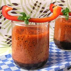 Nutrient-rich vegetable smoothie from tasty sweet peppers, protein-rich Spirulina freshwater algae and valuable Maca.