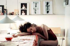 girl, red, sleep, morning, model. Photographe https://www.facebook.com/pages/Sarah-Miguet-Cadet/329547320493218