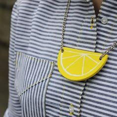 #bpsewvember  for my striped #archershirt with yellow details I made a matching lemon necklace.  Uuh i love striking yellow details ☺️#sewing #seemannsgarn #nähenmachtspass #grainlinestudioarchershirt,grainlinestudio,seemannsgarn,bpsewvember,sewing,nähenmachtspassfrenaja