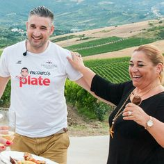 SOLD OUT  Ladies and Gentlemen my Italian Romance Cooking Class at @vivecookingschool is sold out. STAY TUNED for news about more cooking classes coming soon 🍷🍝 Register to my newsletter on www.VINCENZOSPLATE.com