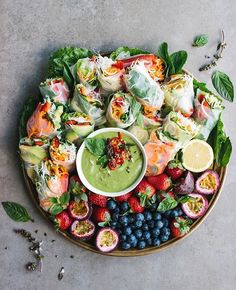 We'll be dreaming of this amazing healthy platter by @thebarefoothousewife tonight #healthychoices #plantbased #wholefoods #kojahealth