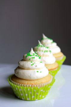 Margarita Cupcakes with Lime Cream Cheese Icing / 10 Cupcakes That Will Get You Drunk (via BuzzFeed Community)