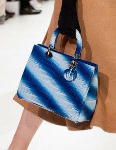 "Bolsa ""Blue Stripe Croc Bag"" - Dior"