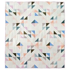 Indian Summer Quilt Kit Featuring Birch Organic Solids (PRECUT) , Fabricworm brings you the latest in Modern fabrics! Free Baby Quilt Patterns, Baby Quilt Tutorials, Free Pattern, Owl Patterns, Free Tutorials, Quilt Baby, Quilting Projects, Quilting Designs, Half Square Triangle Quilts