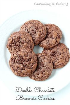 made with a Brownie cup of oil, 3 teaspoons of flour, 2 eggs and sprinkle with chocolate chips. Bake at 350 on a greased or lined pan for about 10 minutes :) Chocolate Brownie Cookies, Chocolate Recipes, Chocolate Chips, Homemade Cookies, Yummy Cookies, Cookie Recipes, Dessert Recipes, Dessert Ideas, Candy Recipes